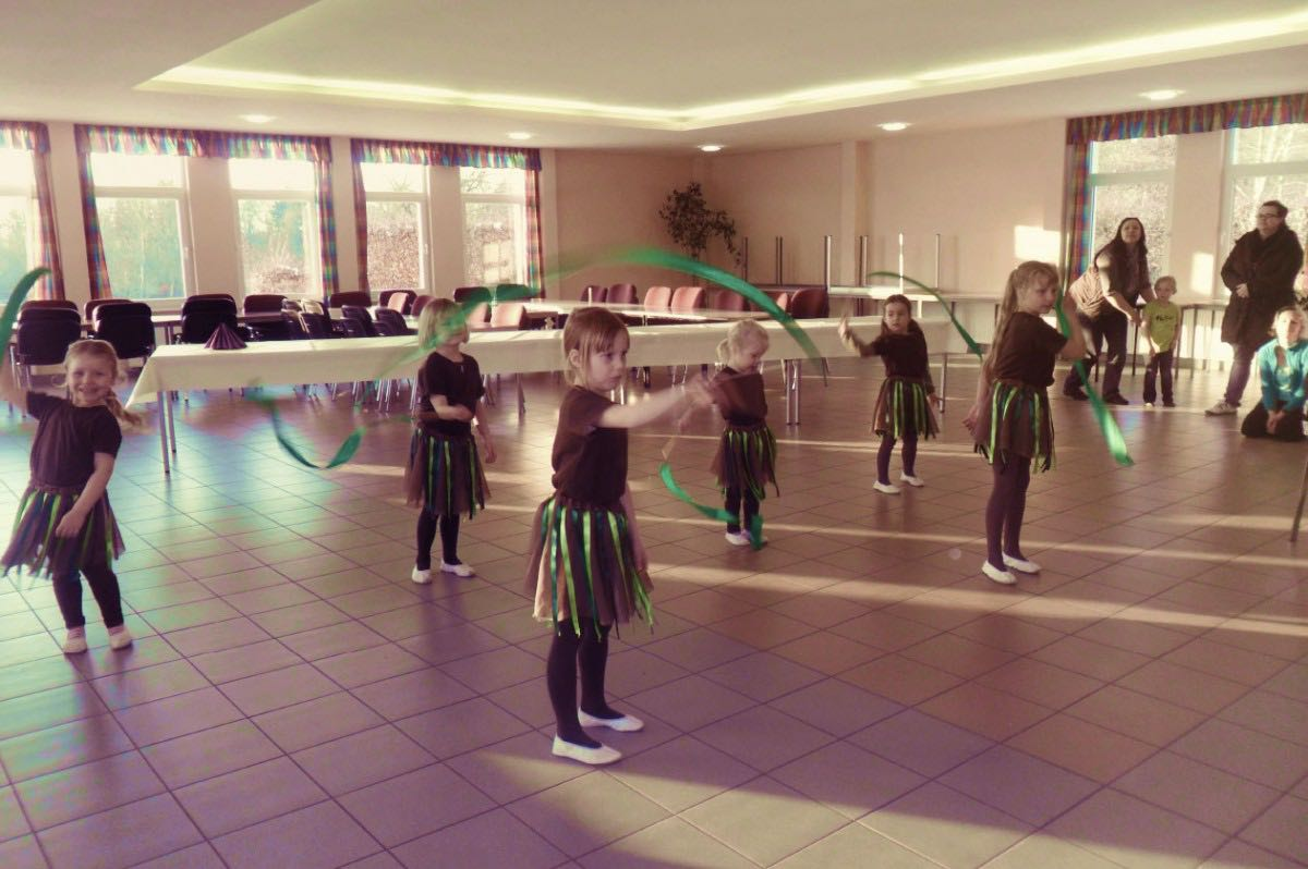 Tanzgruppe von Siedenbollentin